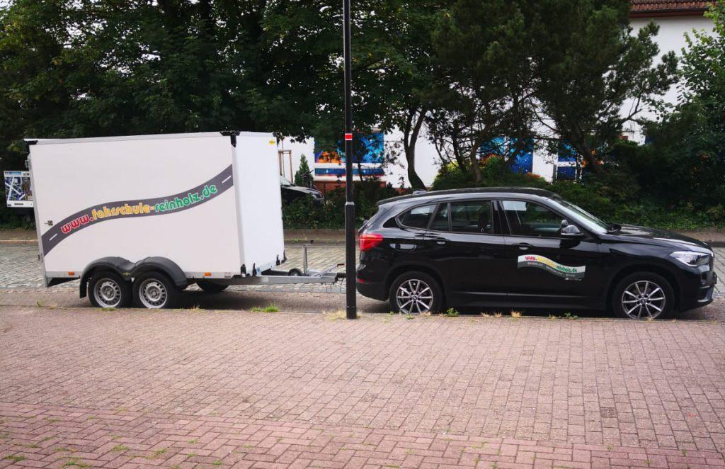 BMW X1 mit Anhänger